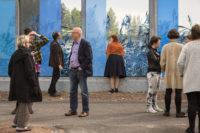 Kuvataiteilija Tuula Lehtisen suunnittelemat meluesteet sijaitsevat E-18-valtatiellä Pyhtään kirkonkylän kohdalla. Kaisla-aiheiset kuvat on painettu keraamisilla pigmenteillä lämpölasille. Kuva: Niklas Kullström