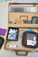 Teollisen muotoilijan Paula Karvosen yritys Peltin Oy tekee projekteja ja tuotevalmistusta eri metalli-, teräs-, pelti- ja rautatyöyritysten kanssa. Yrityksessä pelti kiertää katolta koteihin ja julkisiin tiloihin. Kuva: Susanna Kekkonen