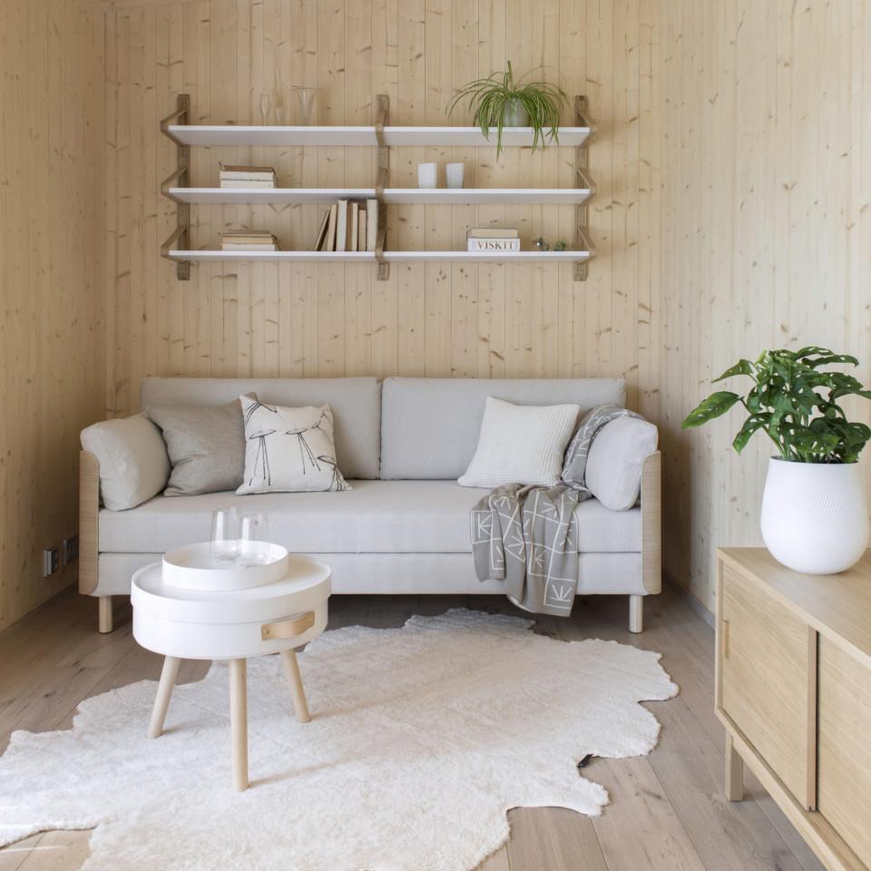 Tapio Anttilan suunnittelema sohva, pöytä ja senkki